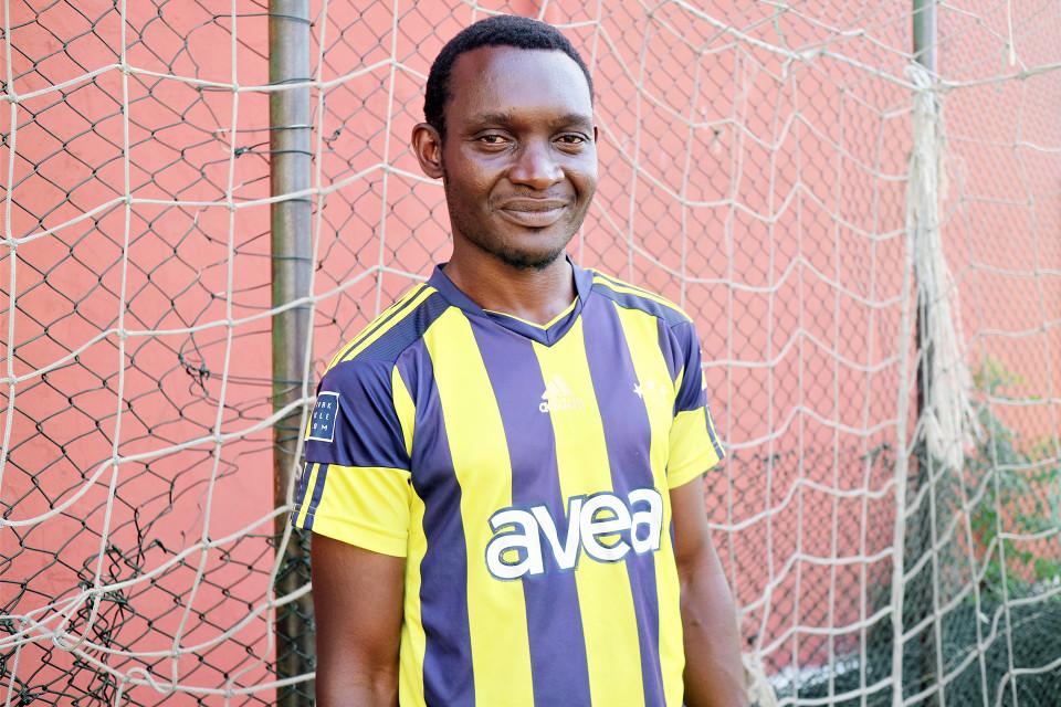 Turkkiin Kamerunista tullut Joseph Dekwete aikoo palata kotimaahansa ja varoittaa siellä nuoria huijariagenttien vaaroista.