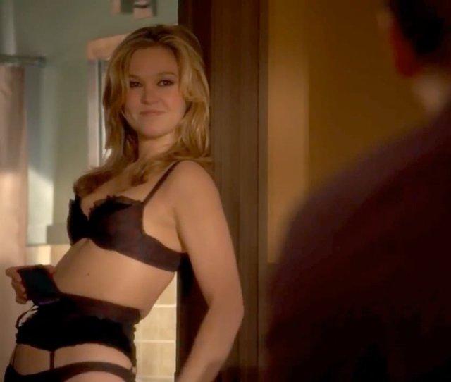 Julia Stiles Nude