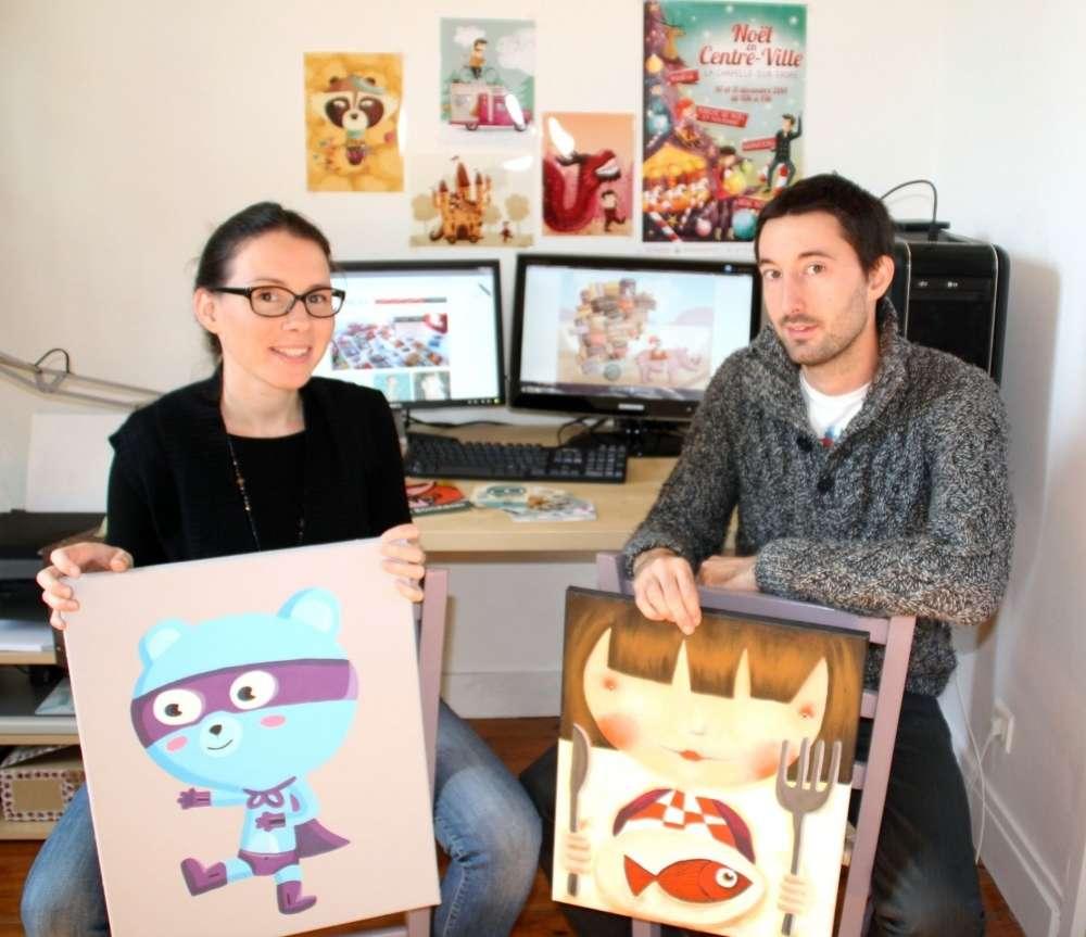 Solène Fonteneau et Thomas Bargain ont développé un univers graphique    très enfantin. Mais ils travaillent aussi sur des dessins adaptés à un public     plus adulte. Photo S. U.