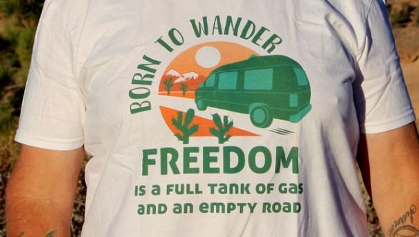 t-shirt-close-logo-freedom
