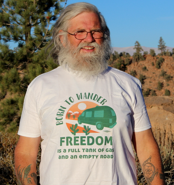 t-shirt-logo-freedom