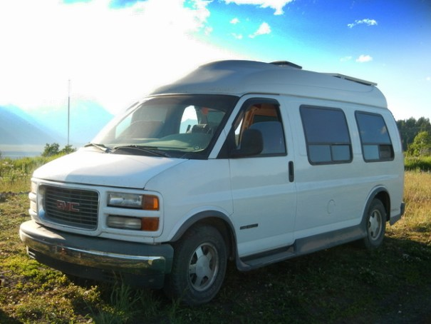 This is the beautiful high-top conversion van opened by new friend Jason. He turned it into a wonderful little home!