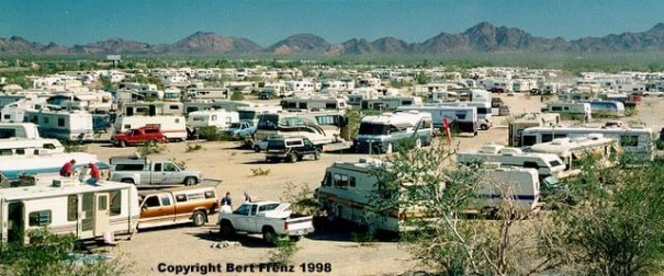 At it's peak, Quartzsite is packed with RVs!! I stole the above two photos from this website: http://www.bafrenz.com/birds/Day4a.htm