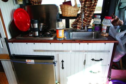 sprinter-6-kitchen