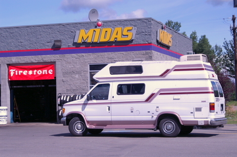 Cheap rv living stealth parking locations part 2 this midas was in the parking lot of a strip mall it was the perfect place to park overnight fandeluxe Images