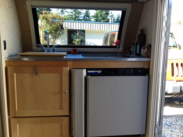 The T@b has a fully functional little kitchen.