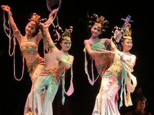 Chinese Folk Dance History And Varieties Traditional Chinese Dancing