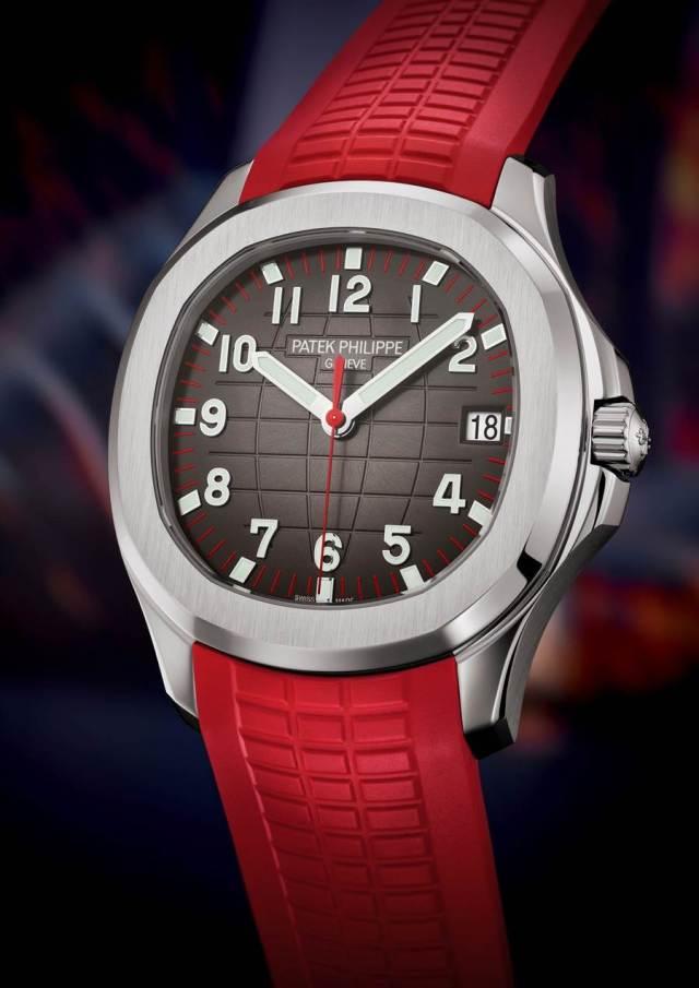 搭配紅色橡膠表帶的Ref.5167Aquanaut不鏽鋼限量表 。(Patek Philippe提供)