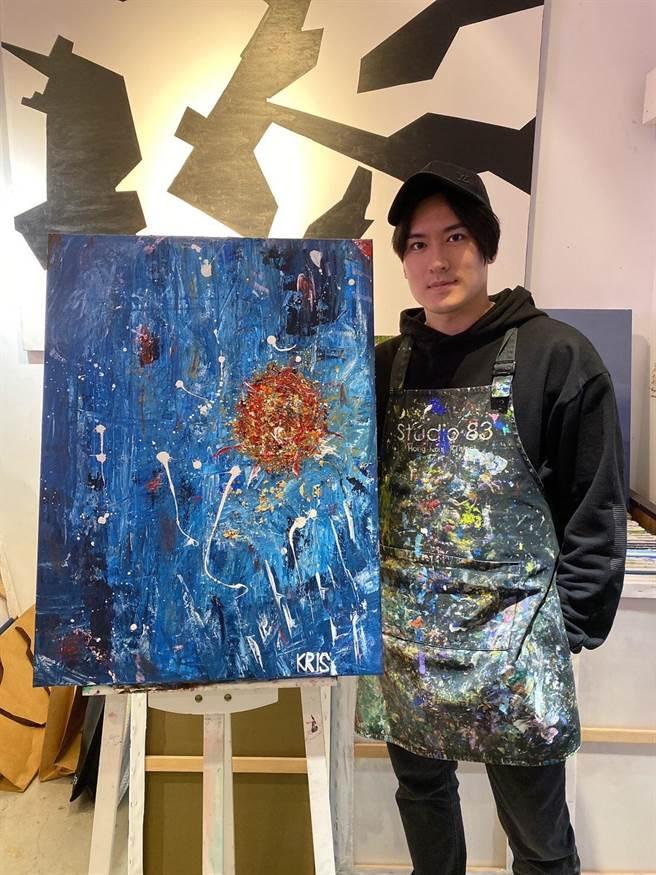 沈建宏支持公益花了4小時去畫壓克力畫捐贈義賣。(家扶基金會提供)