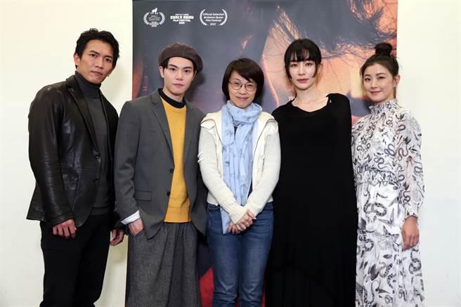 《愛.殺》試映會,黃尚禾(左起)、徐宇霆、導演周美玲、陽靚、翁嘉薇。(金禾創意提供)