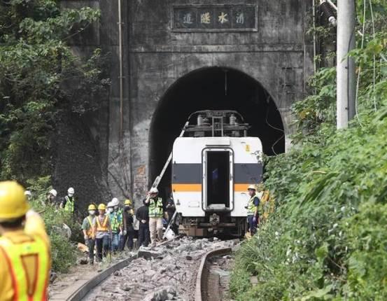 蔡英文宣布台湾铁路改革是单方面政治后的最新民意调查-中国时报新闻