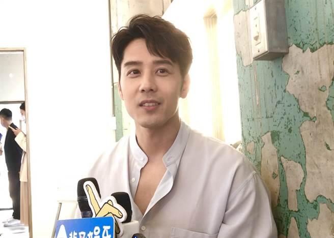 参加维修品牌认可会议后,胡玉伟接受了采访。  (林书娟摄)