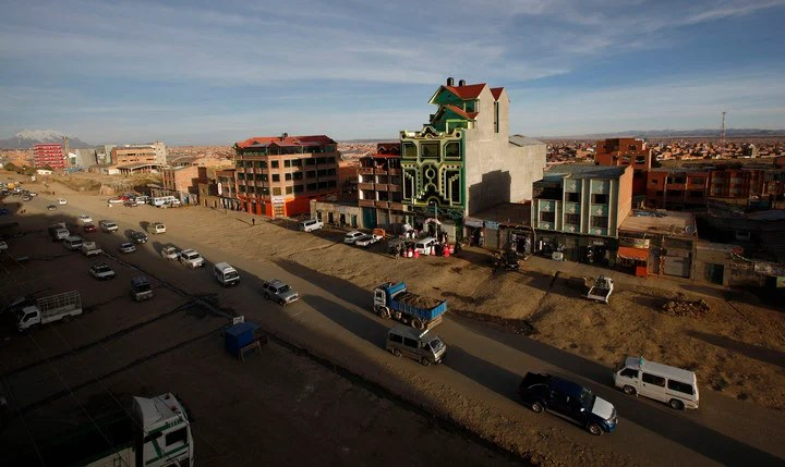 """A """"cholet"""" stands out on the block, intertwining modern architecture and Aymara tradition.  (AP)"""