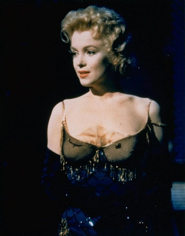 """En la pelicula """"Bus Stop"""" Marilyn Monroe interpreta a un cantante de café. /AP"""