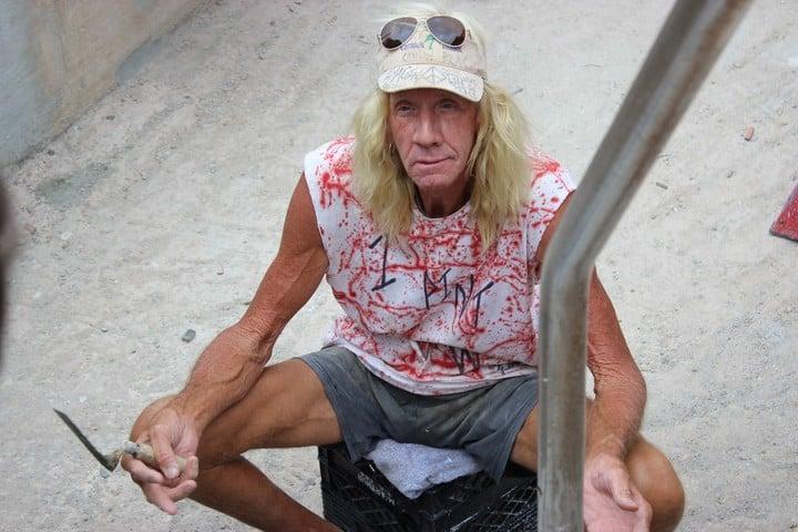 """Ron """"Foots"""" Kynes: el artista que tiene su propia escalera al cielo en Islas Caimán"""