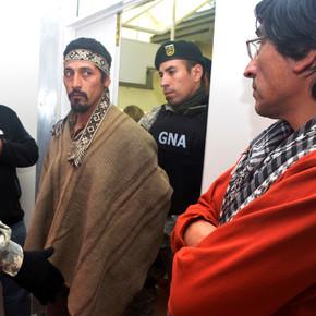Facundo Jones Huala abandonó esta mañana la Unidad 14 de Esquel y ya cumple prisión domiciliaria