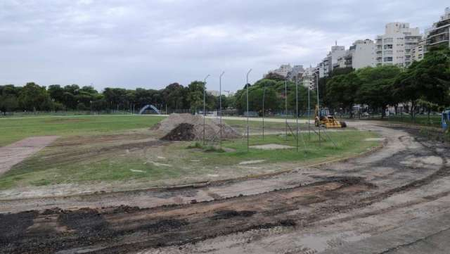 Resultado de imagen para pista atletismo parque chacabuco