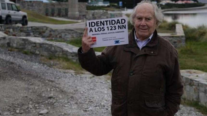 Excombatientes y familiares de caídos en Malvinas escracharon a Pérez Esquivel en el Aeroparque
