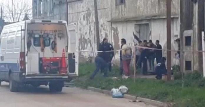 Horror en Dolores. El lugar donde hallaron el cuerpo del joven asesinado. (Captura TV)