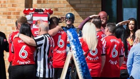 Multitudinario adiós a Bradley Lowery, el nene que emocionó a la Premier League