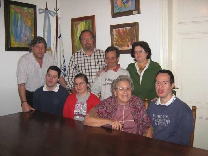A los 84, sigue dando todo para ayudar a los chicos discapacitados