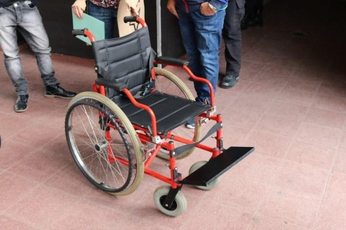 Presos solidarios: hicieron una silla de ruedas adaptada para un chico con cuadriplejia