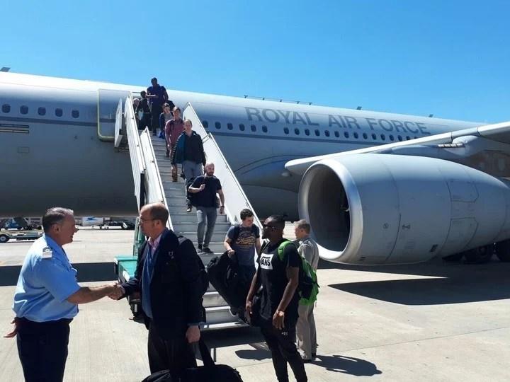 Histórico: un avión militar británico voló desde Malvinas a Ezeiza, y en Defensa ya coordinan un diálogo bilateral