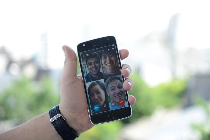 Cybersecurity researchers warn of the risks of WhatsApp video calls.