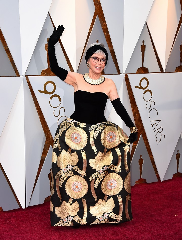 Clad in a dress identical to the one she wore in 1962, Rita Moreno hosted an Oscar award in 2018. Photo Jordan Strauss / Invision / AP