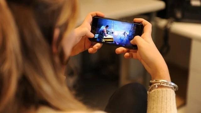 Tras causar furor en las consolas y la PC, el juego Fortnite llegó a la mayoría de los Android. (Fotos: Martín Bonetto)