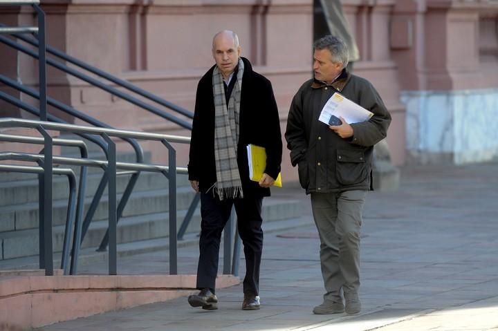 Horacio Rodríguez Larreta y el secretario de Medios de la Ciudad, Marcelo Nachón, durante la última visita a la Casa Rosada.