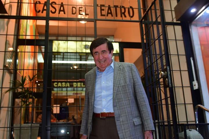 Jaime Durán Barba está a punto de imponer el método ecuatoriano de definir las internas de Cambiemos por encuestas, contra la historia radical de contar los porotos en elecciones.