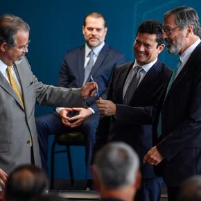 Brasil: asumió Sergio Moro y se comprometió a combatir la corrupción y el narcotráfico