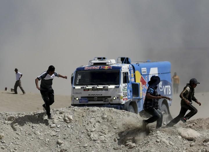 Al momento del impacto, Karginov marchaba en el tercer lugar de la clasificación general de camiones. REUTERS