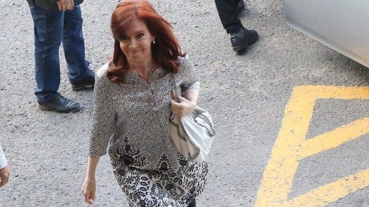 Cristina Kirchner en los Tribunales de Comodoro Py cuando tuvo que declarara en el caso de los cuadernos. Está procesada como jefa de una asociación ilícita.