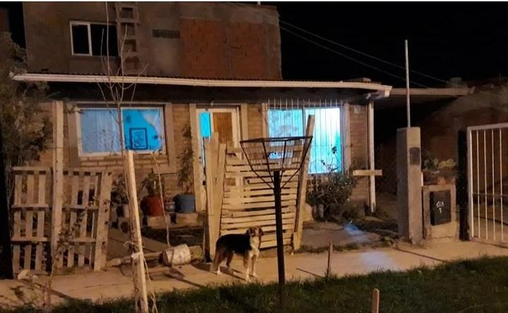 En está casilla de un barrio precario de Puerto Madryn ocurrió el crimen atroz.