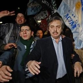 Las feroces respuestas de Alberto Fernández con cataratas de insultos contra los que lo critican en tuiter