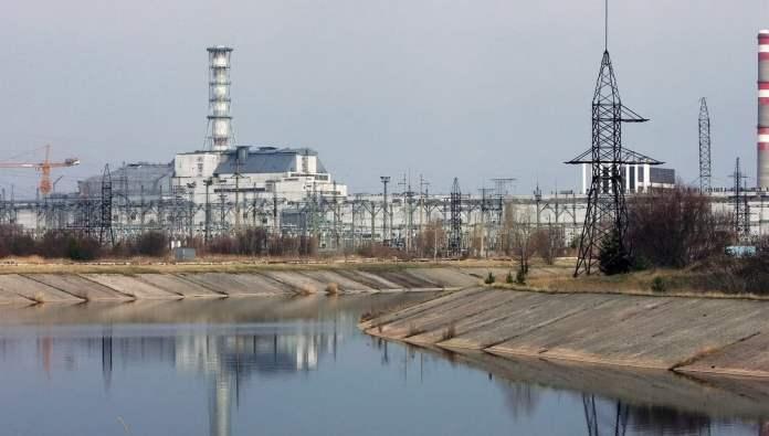 El accidente de Chernobyl  fue un accidente nuclear sucedido el 26 de abril de 1986 en la central nuclear Vladímir Ilich Lenin, ubicada en el norte de Ucrania, que en ese momento pertenecía a la Unión de Repúblicas Socialistas Soviéticas, a 3 km de la ciudad de Prípiat, a 18  km de la ciudad de Chernobyl  y a 17 km de la frontera con Bielorrusia./ EFE