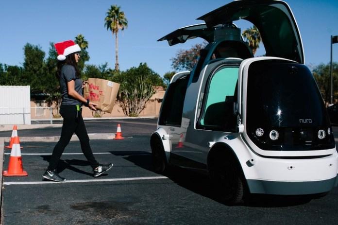 Nuro es una vuelta de tuerca a los vehículos autónomos: funciona como supermercado ambulante.