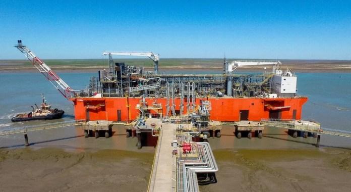 YPF exportará GNL de Vaca Muerta en un buque metanero que partirá desde Bahía Blanca.