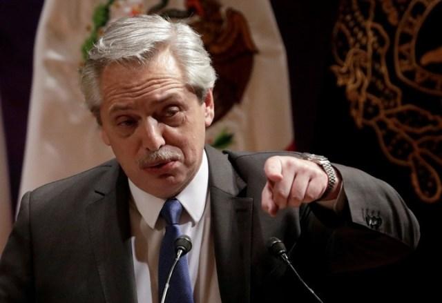 Alberto Fernández dio una clase en la UNAM en su penúltimo día en México como presidente electo. REUTERS/Luis Cortes