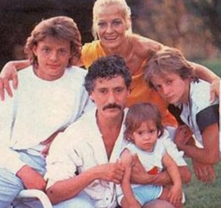 Luis Miguel's family, his mother Marcela, his father Luis Rey and his brothers.