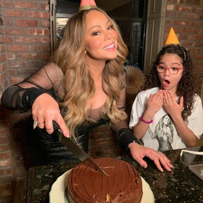 I'm your fan. The daughter of the singer takes it to his mom in his heart... (Photo: Instagram @mariahcarey)