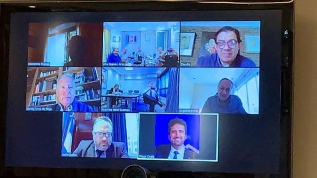 Teleconferencia entre los ministros Matías Kulfas y Claudio Moroni con la CGT, este martes.
