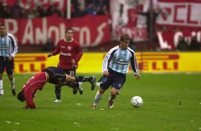 Con la de Racing, en un clásico en el que metió dos goles (23/032004).