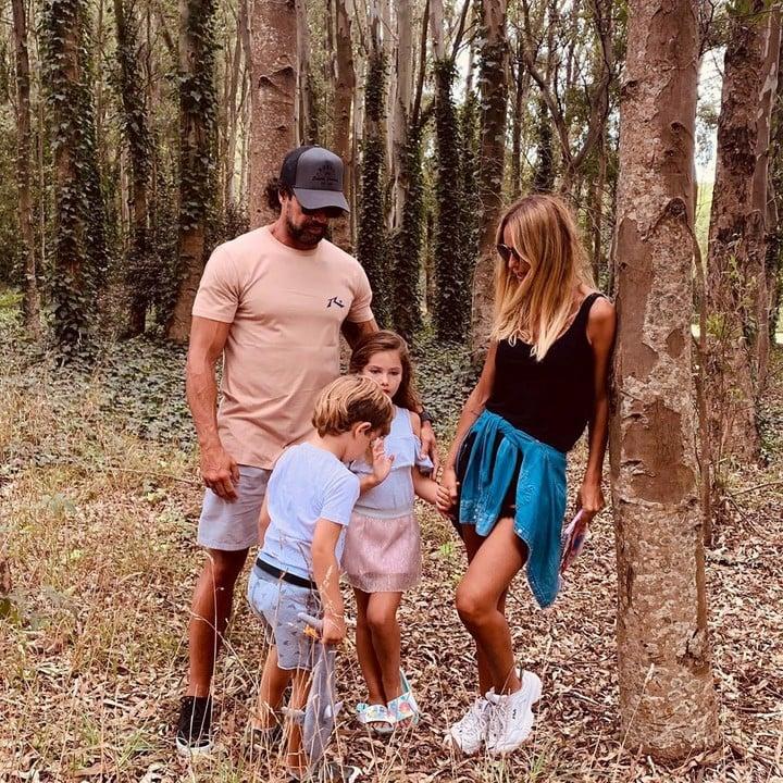 Sabrina Rojas, Luciano Castro and their children.  Photo: Instagram.