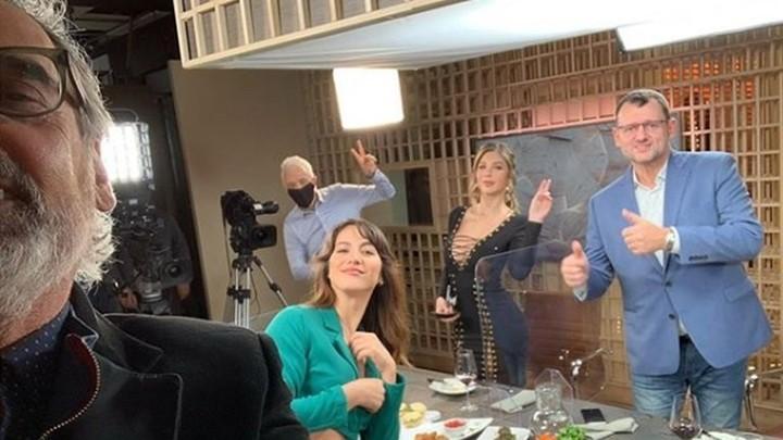 """Andy Kusnetzoff junto a sus invitados de """"PH, podemos hablar"""": Benito Fernández, Laura Vigna, Romina Malaspina y Christophe Krywonis."""