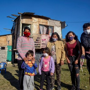 In Argentina, poverty is greater when the head of the household is a woman