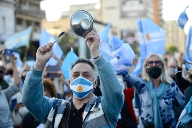 Cabildo y Juramento, otro de los lugares donde se realizó el banderazo en la Ciudad de Buenos Aires. Foto: Andrés D'Elia.