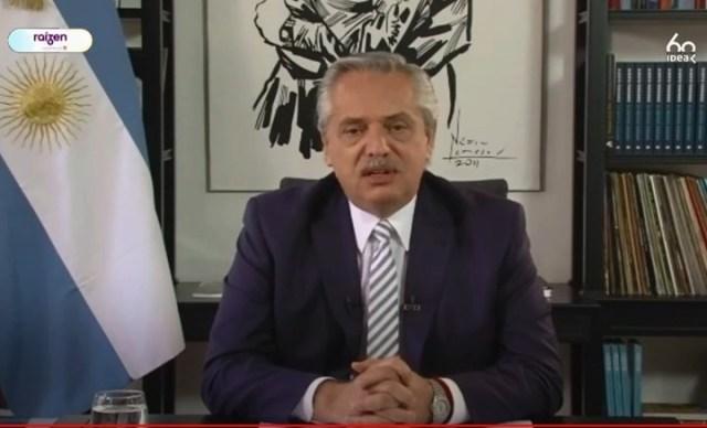 Una captura del discurso de Alberto Fernández desde su despacho en la quinta de Olivos.